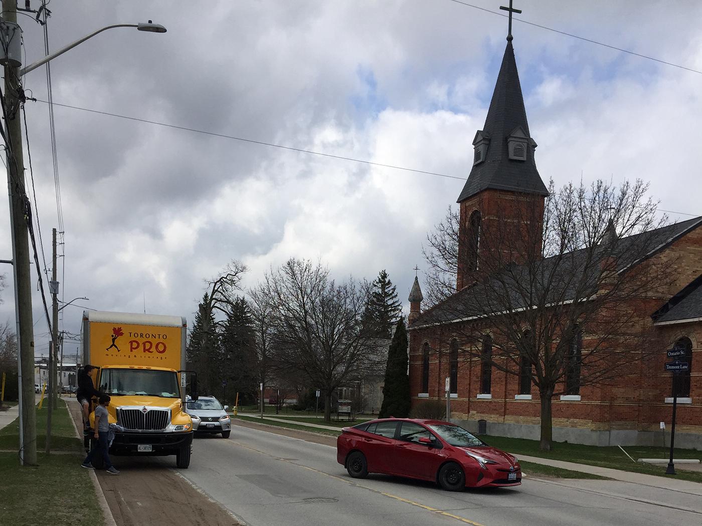 Moving Company Toronto Arriving to Destination