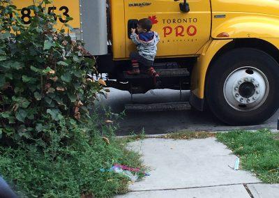 Moving Company Toronto Child Helping Us