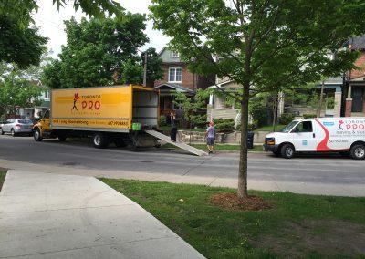 Moving Company Toronto Team Arriving