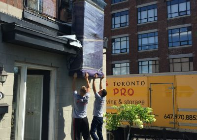 Moving Company Toronto Working Hard